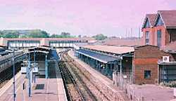 Guildford Station platform 2 & 3 in 2001